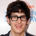 """Matt Bennett será Irmão de Howard na Oitava Temporada da Série """"The Big Bang Theory"""""""