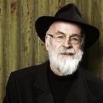 Terry Pratchet, da série Discworld, morre aos 66 anos