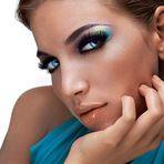 Maquiagem dos olhos e boca