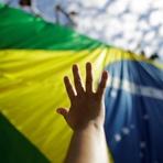 Movimientos sociales y gremios marchan en apoyo a Rousseff