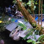 DIÁRIO CATARINENSE > Pelo menos 15 morrem após ônibus cair em ribanceira na Serra Dona Francisca