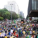 Utilidade Pública - Grupos protestam contra Dilma em 200 cidades