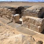 Tumba de rainha misteriosa é descoberta no Egito
