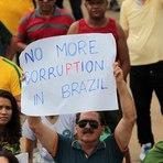 Em resposta aos protestos, Dilma deverá apresentar pacote anticorrupção