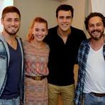 Celebridades - Alexandre Nero Abre Salão de Beleza no Rio de Janeiro e Reúne Famosos na Inauguração