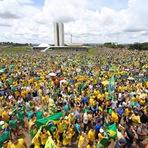 Política - Brasileiros manifestam-se contra política de Dilma Rousseff