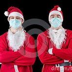 Homens vestidos de Papai Noel assaltam mercado
