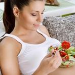 Gravidez: Conheça os alimentos que deve evitar se deseja ficar grávida