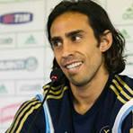 Valdivia é oferecido, mas Cruzeiro desconfia estar sendo 'usado' em leilão.