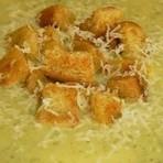 Aprenda como preparar uma sopa cremoso e fácil para o jantar