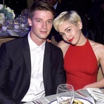 Miley Cyrus Termina Namoro com Patrick Schwarzenegger