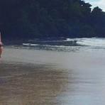 """Bruna Marquezine posa de biquíni e se declara: """"você ainda vai ser a minha vida"""""""