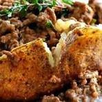 Veja como é fácil fazer batata recheadas com carne