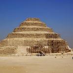Pirâmide mais antiga do Egito está sendo destruída