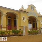 Arquitetura e decoração - Escola Augusta Lamas D'ávila  - fachada principal: