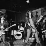 Música - Há 41 anos atrás os Ramones faziam seu primeiro show
