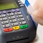 Prática abusiva de alguns estabelecimentos comerciais em relação ao uso de cartões de crédito e débito