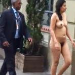 Mulher entra nua em Shopping de Porto Alegre