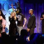 Beyoncé, Rihanna e Chris Martin saem em apoio ao serviço de streaming Tidal