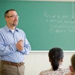 Concurso Público UFSC Oferece 74 Vagas para Professor Efetivo