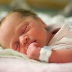 Agora é lei: mãe pode registrar filho no cartório sem presença do pai