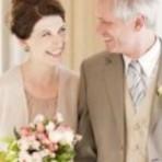 Vestidos de noiva para mulheres mais velhas, lindos e modernos