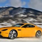 Aston Martin On Ice mostra-no o quão divertido o inverno pode ser (com video e fotos)