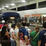 Sobrecarga de metrôs e trens reduz capacidade de transporte de passageiros