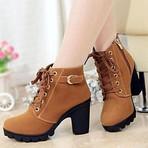 Bota Ankle Boots - Saltos Altos/Ponta Redonda