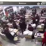Câmera flagra aluno cometendo suicídio em plena sala de aula