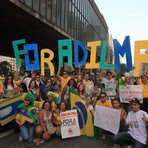 Manifestantes ganharam R$ 100 para colherem assinaturas em protestos contra Dilma