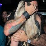 Ex-BBB Aline reencontra Fernando em festa de aniversário