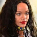Rihanna não vai mais se apresentar no Victoria's Secret Fashion Show 2015 e Ellie Goulding a substitui