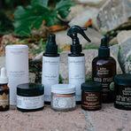Alanis Morissette mostra seus produtos de cabelo favoritos