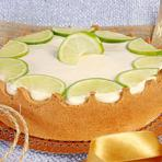 Torta de limão com massa de biscoito maisena