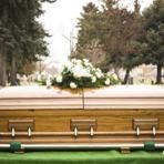 Jovens desenterram cadáver de mulher e abusam do corpo dois dias depois dele ter sido enterrado