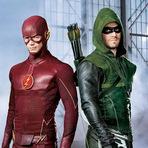 Foi divulgada a primeira foto do crossover entre 'The Flash' e 'Arrow', confira: