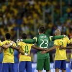 Esportes - Ops! Árbitro que se aposentou ontem recusa camisa de Neymar após o jogo