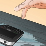 Como salvar um celular que caiu na água e não liga mais
