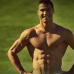 Estilo de Vida - Cristiano Ronaldo incendeia seguidores do Instagram com físico invejável