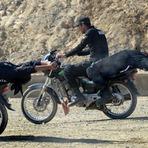 Policiais em motos: perseguidos por bandidos?
