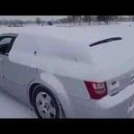 Como remover a neve de um carro