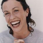 Fotos -  Alanis Morissette mostra foto da capa do álbum Supposed Former Infatuation Junkie