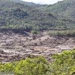 Samarco admite risco de rompimento de mais 2 barragens em MG