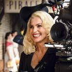 Flávia Alessandra transforma cabelo em loiro platinado para viver vilã na nova novela das 6!