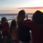 Fotos - Alanis Morissette unida com amigos e família