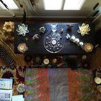 Fotos - Alanis Morissette mostra seu altar