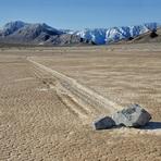 Curiosidades - As misteriosas rochas que se movem sozinhas em uma planície dos EUA