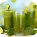 Saúde - Receita de Suco de Abacaxi com Salsinha