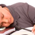 Entenda como uma boa noite de sono pode te ajudar com os estudos